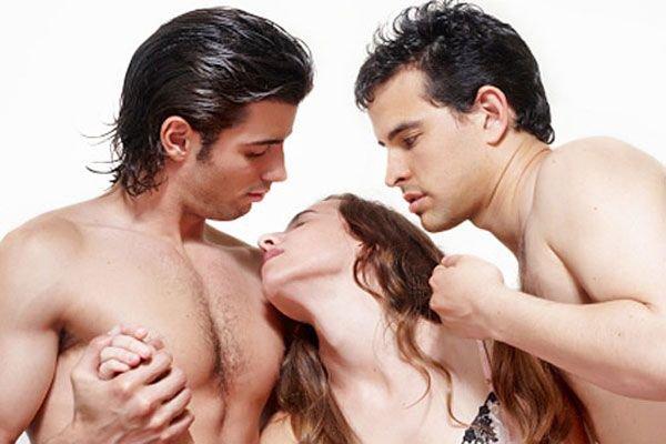 lyublyu-seks-s-dvumya-muzhchinami-filmi