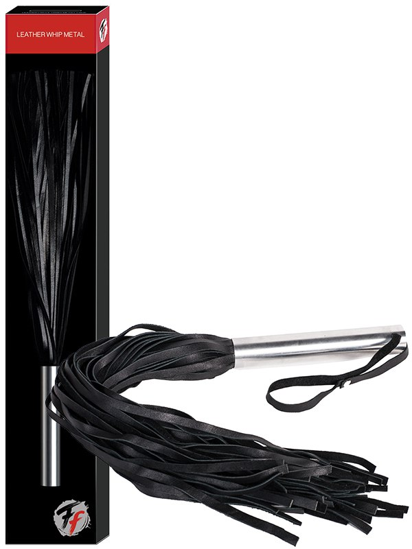 Плеть кожаная Leather Whip Metal с металлической рукоятью – черная