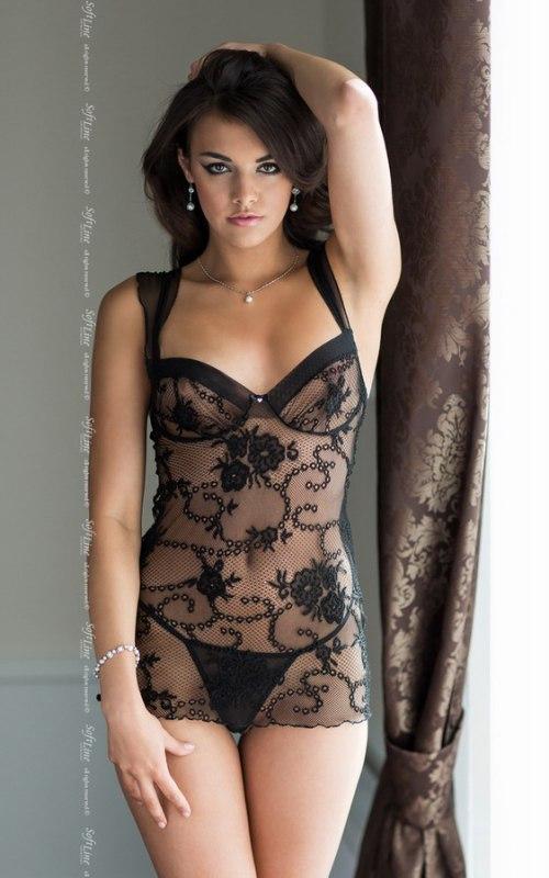 Комплект АНА черного цвета: сорочка и стринги – M/L