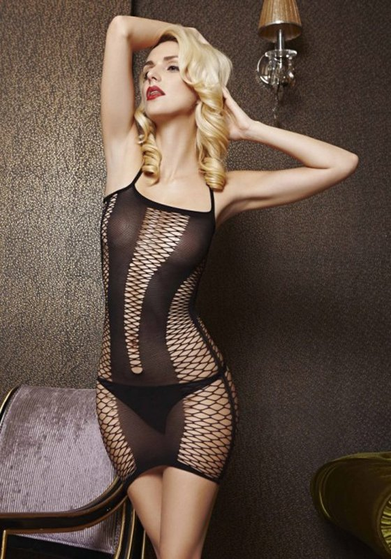 Платье из крупной сетки с V-образной вставкой спереди (Temptlife) – черный